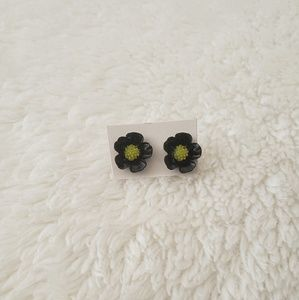 Jewelry - Black Floral Stud Earrings